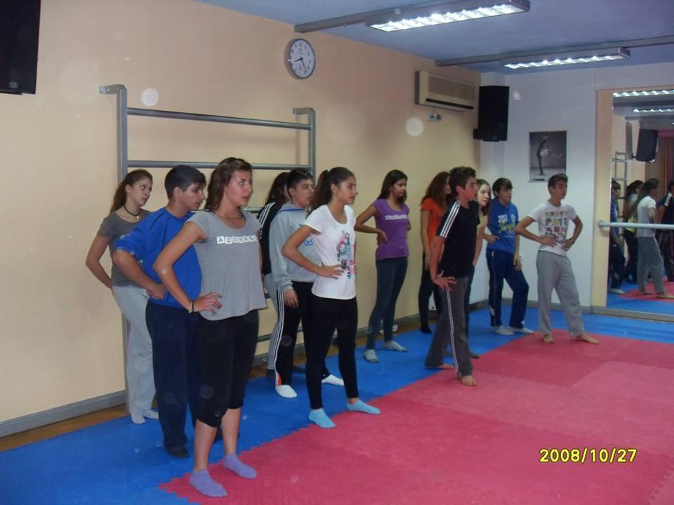 Η αγωνιστική ομάδα της ΑΚΑΚ στο γυμναστήριο «ΚΟΥΚΟΥΛΕΤΣΟΣ»