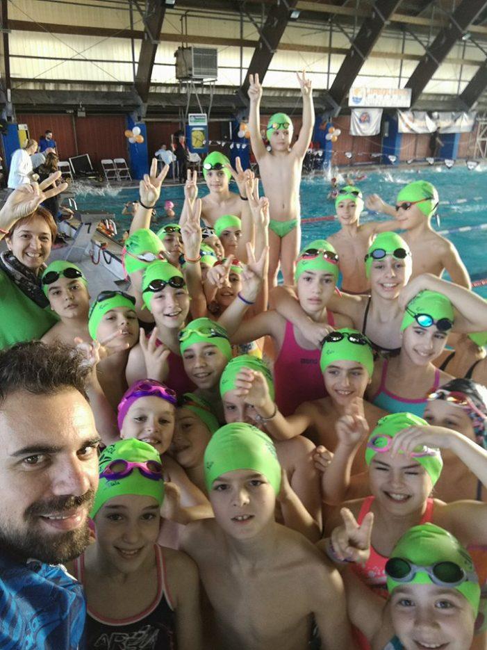 Εντυπωσιακή η νέα ομάδα της ΑΚΑΚ & του ΑΣΚ Ολυμπιακός στους αγώνες κολύμβησης «Αντώνης Δρόσος»