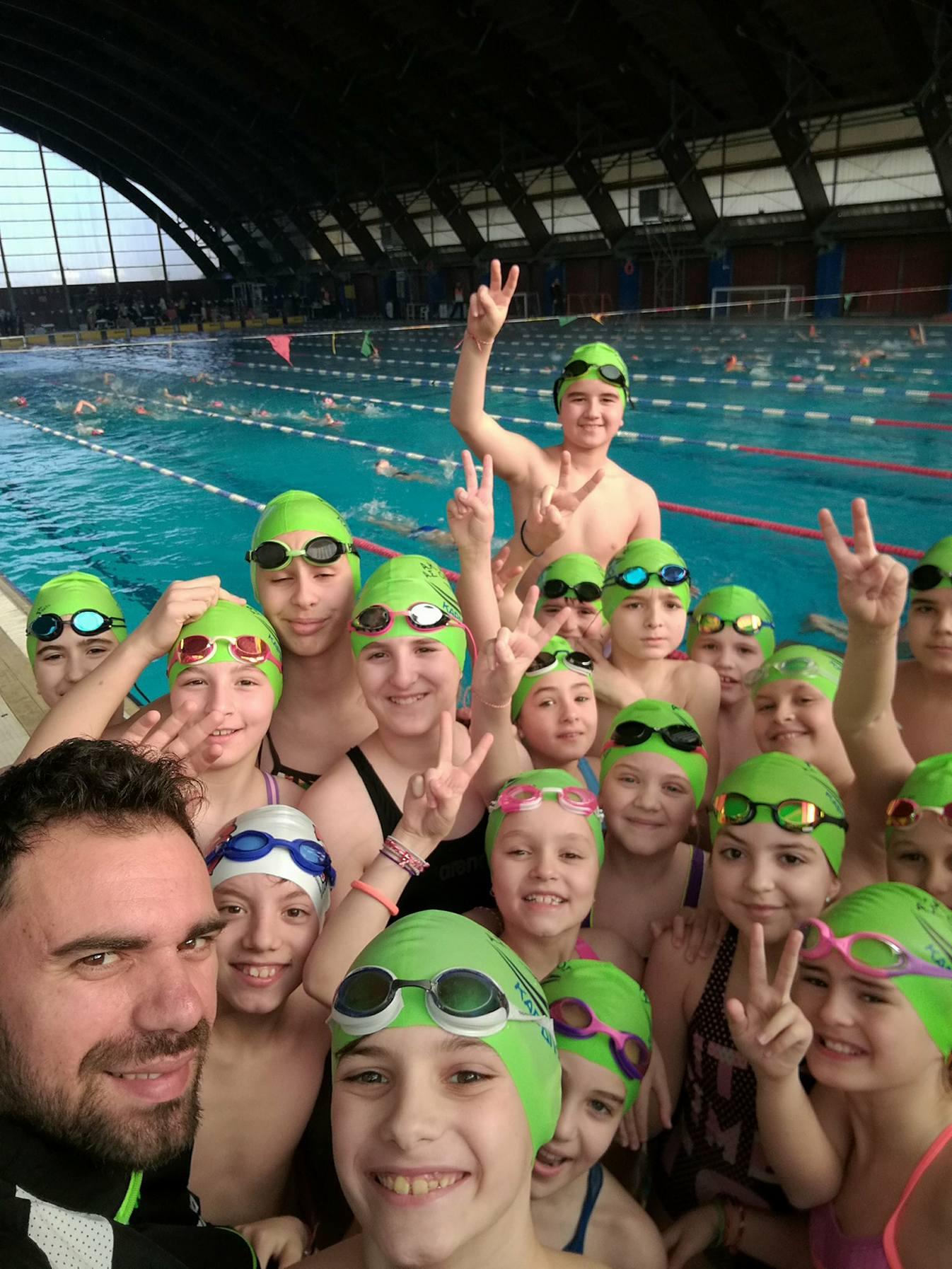 Οι επιτυχίες συνεχίζονται…..με 20 μετάλλια στους χειμερινούς αγώνες κολύμβησης προαγωνιστικών κατηγοριών!!!
